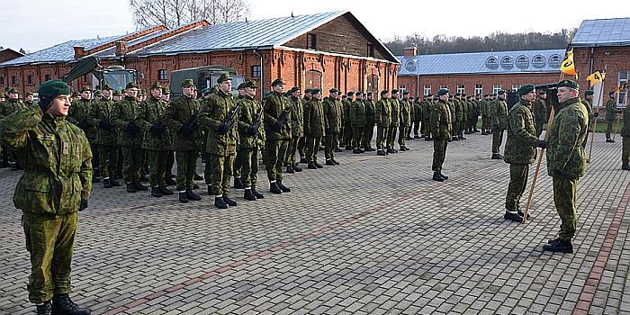 Pradedamas pasirengimas 2018 m. šaukimui į nuolatinę privalomąją pradinę karo tarnybą – numatoma pašaukti didesnį nei šiais metais šauktinių skaičių
