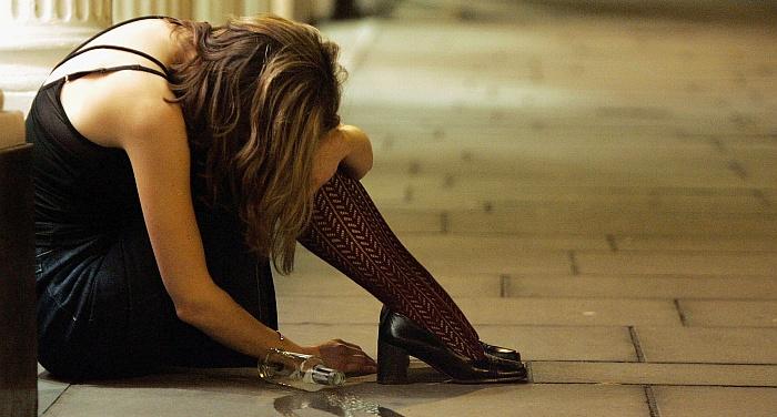 Apsinuodijimas alkoholiu: ką daryti?