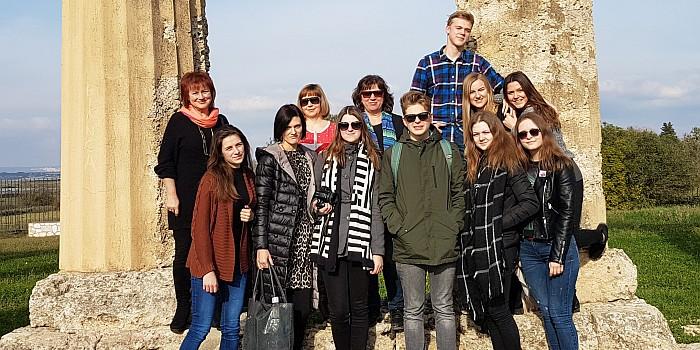 """Erasmus+ projekto """"Kultūra ir kalbos – tiltas tarp mokyklos bendruomenių"""" susitikimas Italijoje"""
