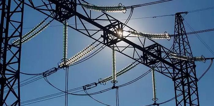 Draudikai perspėja: gruodį elektros suvartojimas pasiekia piką, o nuostoliai prilygsta audrų žaloms