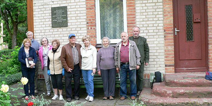Lietuvai pagražinti draugija talkino prie A. Vilkaičio namo