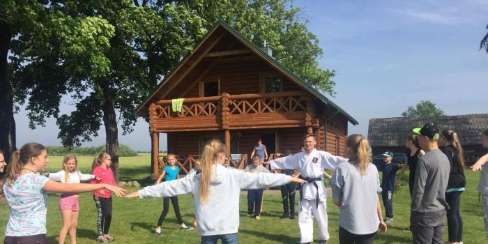 Vasara – vaikų atostogų ir stovyklų metas