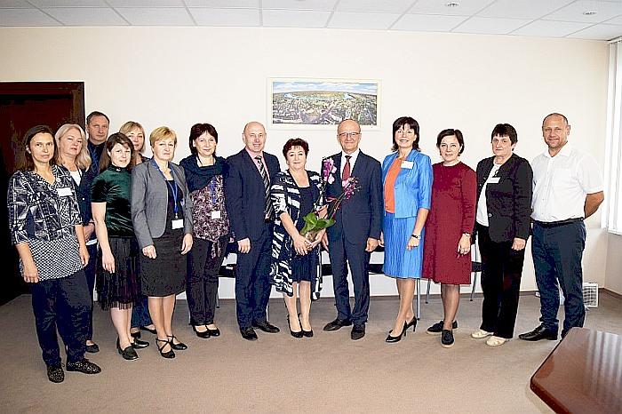 Savivaldybės vadovai padėkojo ilgametei specialistei už nuoširdų darbą