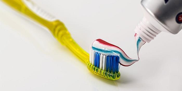 Kodėl vyrams reikia minkšto dantų šepetėlio ir kiti 10 faktų apie burnos higieną