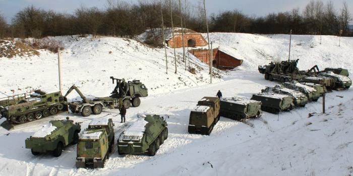Karo technikos eksponatai iš Vilniaus persikėlė į Kauno tvirtovės VI fortą