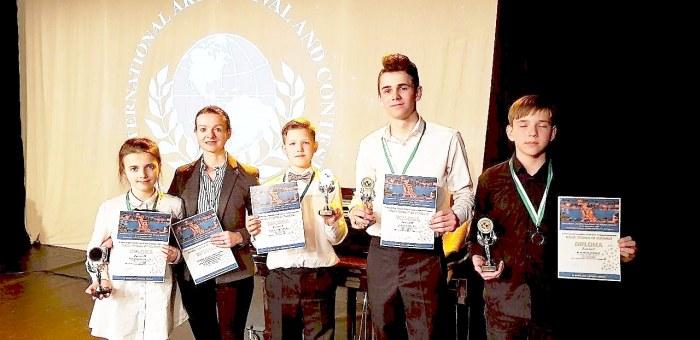 Akordeonistų išvyka į tarptautinį konkursą Vengrijoje