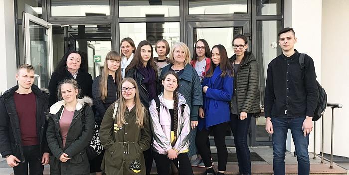 Literatūros mokomės Jaunųjų literatūrologų akademijoje!