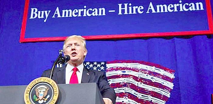 """Labirintai. Nenuostabu, jog naujojo JAV prezidento žodžiai """"pirmiausia Amerika"""" ir reiškė, kad JAV – ne donoras, o lyderis."""