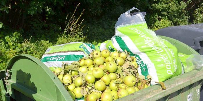 """Akcija """"Obuoliukas"""" – be obuolių atliekų konteineriuose"""