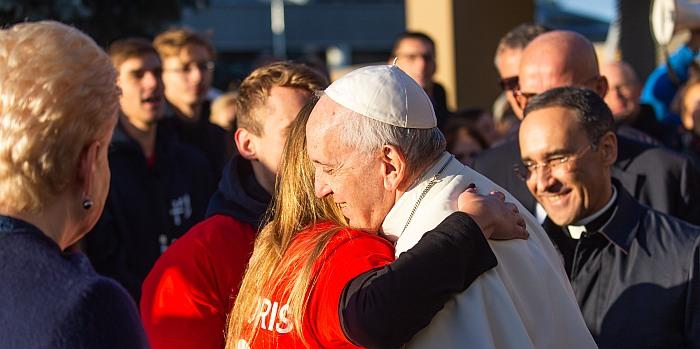 Popiežius Pranciškus po atsisveikinimo ceremonijos išskrido į Estiją taip baigdamas vizitą Lietuvoje