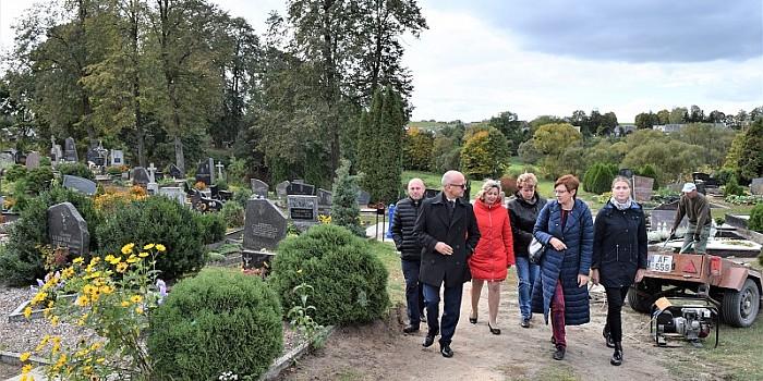 Į Balbieriškio kapines atvestas vanduo