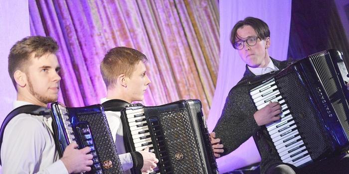 Muzikos vakare šėlo akordeonai