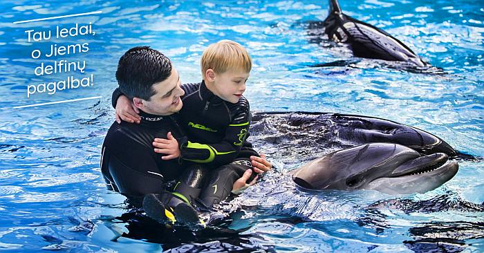 Delfinų terapija pakeitė gyvenimą: autizmo spektro sutrikimą turinti mergaitė išmoko reikšti jausmus