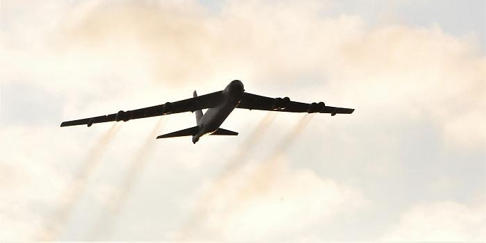 Jungtinės paramos ugnimi valdymo specialistai užvedinėjo strateginius bombonešius