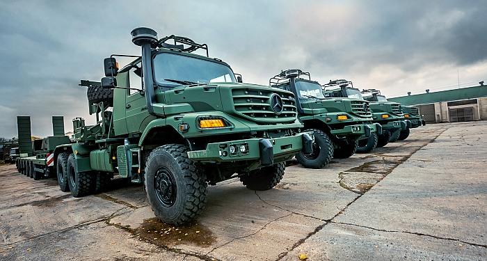 Lietuvos kariuomenėje bus naudojami didelės galios vilkikai