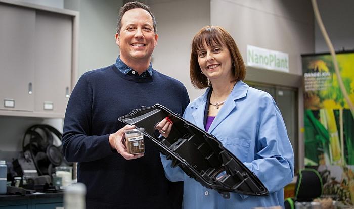 Kavos pupelių atliekos – automobilių dalių gamybai