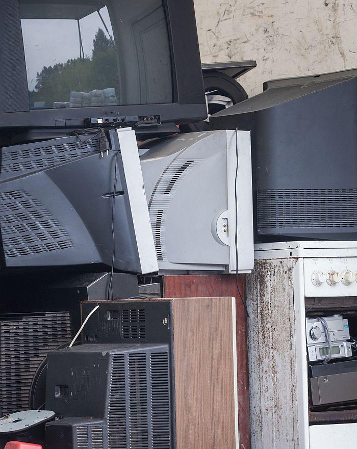 JT: pernai pasaulio gyventojai išmetė rekordiškai daug elektronikos atliekų